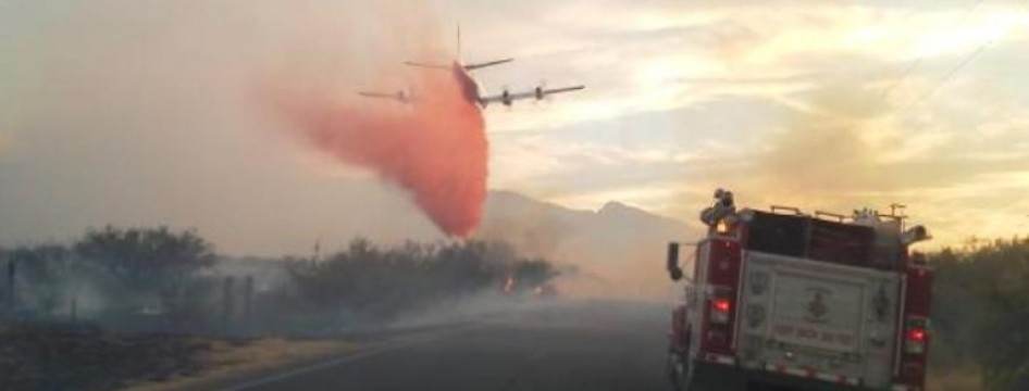 Arizona Wild Fire Plane Dumping Slurry